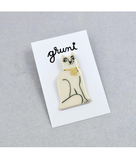Broşă tip pin, pisică albă