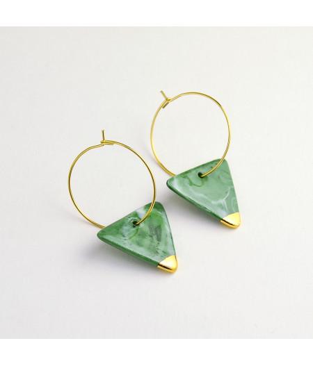 Cercei triunghi din porțelan marmorat verde