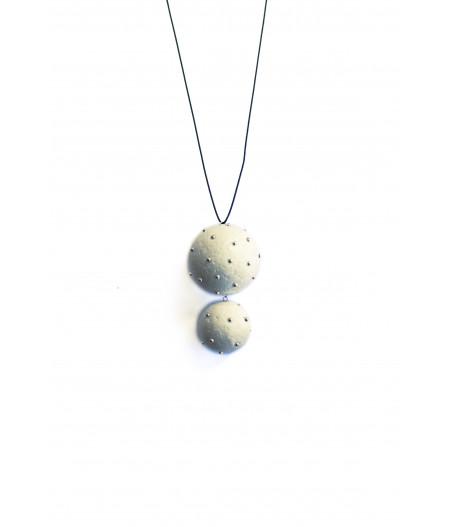 Expression silver spheres