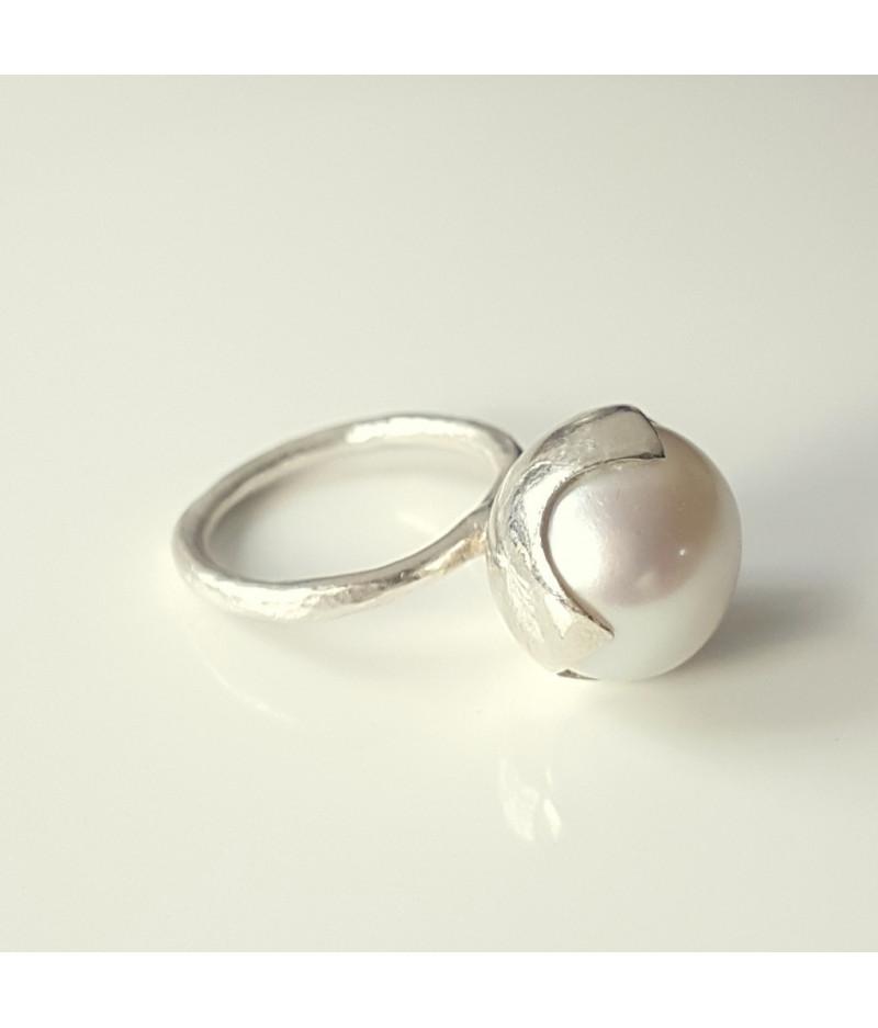 inel Sleeping Beauty din argint cu perla de cultura alba